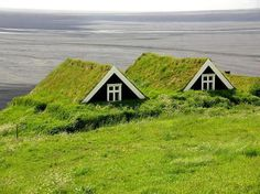 Typical for Iceland are the historic turf houses, earth-sheltered houses. Earth Sheltered Homes, Sheltered Housing, Future House, Cute Small Houses, Outdoor Movie Nights, Green Architecture, Vernacular Architecture, Classical Architecture, Unusual Homes