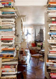 For all the bookworms out there who can appreciate an organized mess - this looks like heaven to me