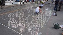 media: chalk on pavement...pretty neat..