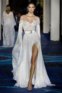 Haute Couture Dresses, Couture Fashion, Runway Fashion, Paris Fashion, Stunning Dresses, Beautiful Gowns, Look Fashion, Fashion Outfits, Fashion Design