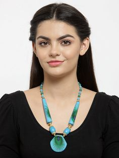 This Charming Neckpiece Is Neat And Simple For Those Who Wish For Fashion Jewelry Collection. Match This Jewelry With Any Of Your Outfit And Flaunt Your Style. Fashion Jewelry Stores, Terracotta Jewellery, Feather Design, Peacock Feathers, Jaipur, Animal Kingdom, Fashion Necklace, Jewelry Collection, Turquoise Necklace