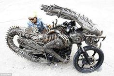 blogAuriMartini: Reciclagem de metais dá vida a moto 'Alien'