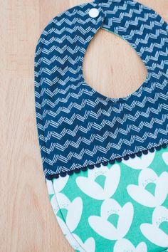 Baby Bib and Baby Bloomers Sewing DIY at Sewbon.com