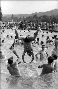 Henri Cartier-Bresson  FRANCE. Ile-de-France. Yvelines. 1955.