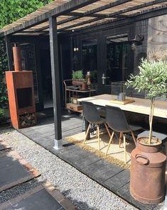 """2,027 Likes, 91 Comments - Jet (@______jet) on Instagram: """"Hier en daar nog even de zwarte kwast en dan is de veranda klaar☀️ #holliday #outside #garden…"""""""
