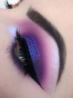 makeup blue Eyeshadow Looks Deepest and dreamiest Purple eye makeup Tiefstes und vertrumtestes Lila Augen Make-up Purple Wedding Makeup, Purple Eye Makeup, Eye Makeup Art, Colorful Eye Makeup, Cute Makeup, Smokey Eye Makeup, Makeup Inspo, Eyeshadow Makeup, Beauty Makeup
