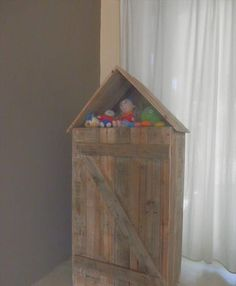 DIY Pallet Doll Playhouse for Kids | 99 Pallets