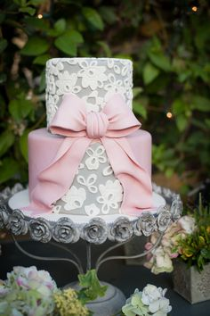 #Cake | Love that bow! More Inspiration on SMP -  http://www.StyleMePretty.com/california-weddings/orange-county/2014/01/23/downton-abbey-wedding-inspiration-at-the-french-estate/ True Bliss Photography