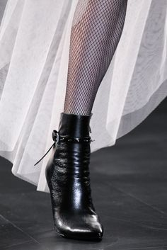 Saint Laurent Fall 2015 Ready-to-Wear - Details - Gallery - Style.com