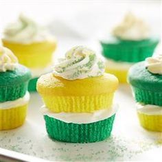 Celebrate the luck of the Irish with these Green & Gold Cupcakes from Pillsbury Baking this St. Patrick's Day!