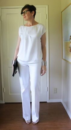 Monochromatic whites: head to toe color is always striking and especially so in white.  All white draws the eye in and makes you look tall and slim.