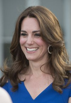 Kate Middleton Photos - Catherine, Duchess of Cambridge attends SportsAid's 40th anniversary dinner on June 9, 2016 in London, England. On arrival, The Duchess will met SportsAid ambassadors and young athletes who will be competing in the Rio 2016 Olympics at a pre-dinner reception, as well as some of the charity's key supporters. - The Duchess Of Cambridge Attends The 40th Anniversary Of SportsAid