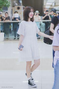 Fashion Idol, Kpop Fashion Outfits, Korea Fashion, Asian Fashion, Airport Fashion, Nayeon, Summer Outfits, Cute Outfits, Dahyun
