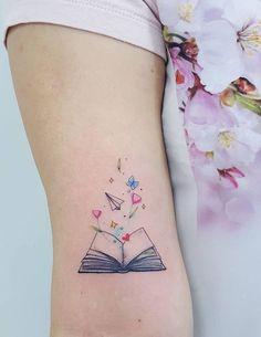 Awe-inspiring Book Tattoos for Literature Lovers - Body Art - Tatoo Ideen Band Tattoos, Neue Tattoos, Wrist Tattoos, Arm Tattoo, Body Art Tattoos, Tatoos, Tattoo Arrow, Stomach Tattoos, Celtic Tattoos