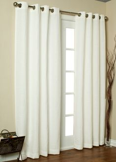 CHRIS' CURTAIN IDEAS....this is very classy and traditional, I like it!