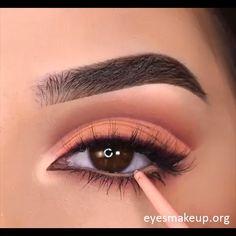 eye makeup cause dry eye makeup for hooded eyes makeup 4 colors makeup 101 how to apply makeup colorful makeup eye makeup remover oil based makeup 2019 Eye Makeup Remover, Skin Makeup, Eyeshadow Makeup, Makeup Cosmetics, Makeup Brushes, Makeup 101, Makeup Goals, Makeup Inspo, Maquillage Normal