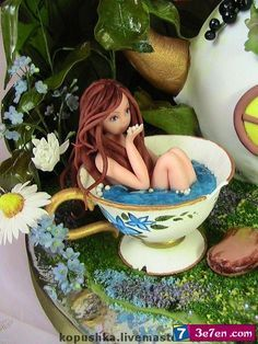 There are pixie homes all around the place. It is a fairy garden house, naturally. Polymer Clay Fairy, Polymer Clay Figures, Polymer Clay Animals, Polymer Clay Dolls, Fondant Figures, Polymer Clay Projects, Clay Crafts, Paper Clay, Clay Art