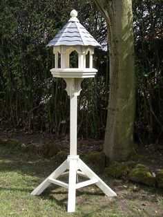 Items similar to Bird Table / Slate Roof on Etsy Wooden Bird Feeders, Wooden Bird Houses, Bird House Feeder, Bird Houses Diy, Diy Bird Feeder, Bird Tables, Art Shed, Homemade Bird Feeders, Slate Roof