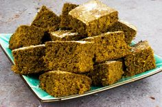 low syn -sticky gingerbread traybake - slimming world - christmas - recipe - healthy - cake - baking Slimming World Sweets, Slimming World Puddings, Slimming World Vegetarian Recipes, Slimming Recipes, Laura Lee, Low Syn Treats, Healthy Christmas Recipes, Gluten Free Gingerbread, Healthy Cake