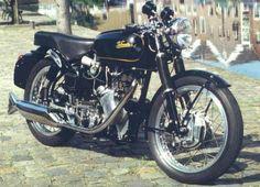 British Motorcycles, Racing Motorcycles, Vintage Motorcycles, Classic Motors, Classic Bikes, Classic Motorcycle, Bike With Sidecar, Cafe Bike, Old Bikes