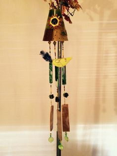 Daisy Flower :Recycled tin top with recycled glass and glass bird Wind Chimes For Sale, Glass Birds, Recycled Glass, Tin, Daisy, Recycling, Outdoor Decor, Flowers, Home Decor