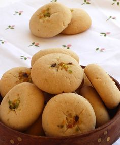 Nan Khatai Recipe - Eggless Buttery Indian Cookies - Step by Step Photo - Crispy Nan Khatai – Indian style eggless cookies – Serve as a snack or as a sweet on festivals - Indian Desserts, Indian Sweets, Indian Snacks, Indian Food Recipes, Diwali Recipes, Nan Khatai, Indian Cookies, Cookie Recipes, Dessert Recipes