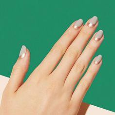 Minimal Grey And Silver Nails Minimal grey and silver nails