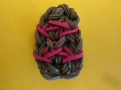 Rainbow Loom KNIGHT'S SHIELD Charm. (Easy). Designed and loomed by Lovely Lovebird Designs. Click photo for YouTube tutorial. 06/30/14.