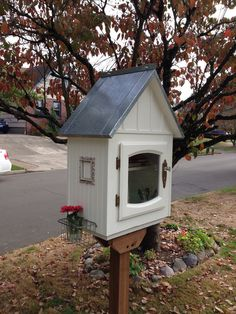 Little Free Library on Little Free Library Plans, Little Free Libraries, Little Library, Kids Library, Library Ideas, Street Library, Library Humor, Lending Library, Bookstores