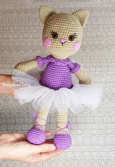 Mesmerizing Crochet an Amigurumi Rabbit Ideas. Lovely Crochet an Amigurumi Rabbit Ideas. Crochet Patterns Amigurumi, Amigurumi Doll, Crochet Dolls, Crochet Yarn, Amigurumi Tutorial, Crochet Hood, Cute Crochet, Crochet For Kids, Yarn Animals