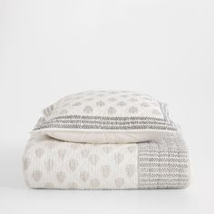 MINI DESIGN PRINTED QUILT AND CUSHION COVER