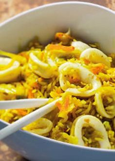 Arroz de lulas com açafrão e gengibre Rice Recipes, Great Recipes, Healthy Recipes, Arroz Risotto, Good Food, Yummy Food, Shellfish Recipes, Caribbean Recipes, Portuguese Recipes