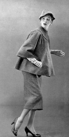 1953 Suzy Parker in tweed two-piece with smock-top by Jacques Fath, photo by Georges Dambier