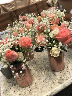 Rose Gold Centerpiece, Sweet 16 Centerpieces, Mason Jar Centerpieces, Rustic Wedding Centerpieces, Bridal Shower Decorations, Flower Centerpieces, Graduation Decorations, Centerpiece Ideas, Gold Mason Jars