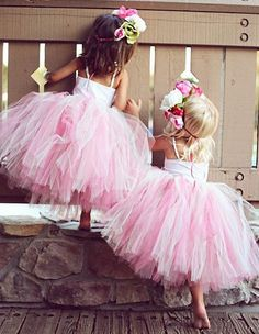 Two adorble and good lookin besties love ya Ever and Ava . Baby Kind, Cute Baby Girl, Flower Girl Tutu, Flower Girl Dresses, Forever And Forava, Little Girl Fashion, Kids Fashion, Sav And Cole, Cole And Savannah