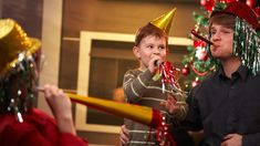 Stylish Mom and Kids - counting down to the New Year with the kids: 10 tips for a kid-friendly New Year's Eve bash. New Years With Kids, Kids New Years Eve, New Years Eve Party, New Year's Eve Activities, Happy New Year 2019, New Years Decorations, Confetti Balloons, New Year Celebration, Fancy