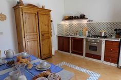 What about a free cooking class in this lovely Vacation home in Termini Imerese? Book in https://www.airbnb.it/rooms/9153938