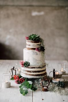 Industrial Gay Wedding in Italy // Wedding photographer - Serena Genovese photography Naked Wedding Cake, Metallic Wedding Cakes, Wedding Cake Fresh Flowers, Floral Wedding Cakes, Wedding Cake Rustic, Elegant Wedding Cakes, Wedding Cake Designs, Cake Flowers, Lace Wedding
