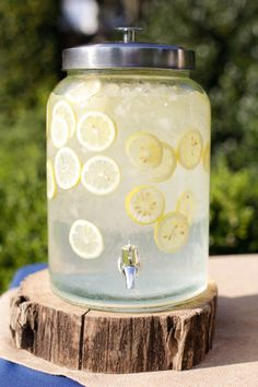 Iced lemon water for outdoor receptions: http://www.stylemepretty.com/2012/11/30/thomasville-wedding-at-pebble-hill-plantation-from-anna-k-photography/ | Photography: Anna K - http://www.annakphotography.com/