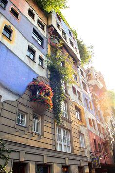 (Hundertwasserhaus, Vienna (by Dragonovski)