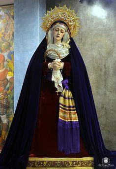 Nuestra Señora del Desconsuelo y Visitación. Hermandad de Pasión y Muerte. Viernes de Dolores. Sevilla. Cuaresma 2017