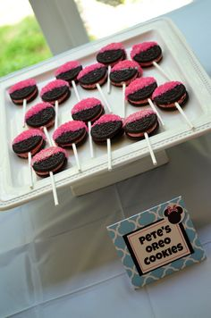 Minnie Mouse Birthday Party - Pink Oreo Cookies