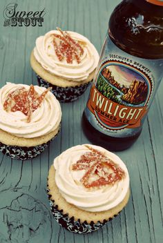 Grapefruit beer cupcakes using Deschutes Twilight Summer Ale!