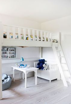 Great way to save space - nicer way to do a bunk bed