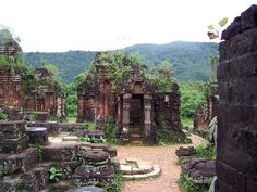 Vietnam Local Guide: December 2012 | From the 4th to the 14th century AD, My Son valley was a site of religious ceremony for kings of the ruling dynasties of Champa, as well as a burial place for Cham royalty and national heroes.