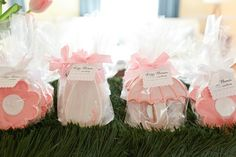 #cookies Design & Styling by stylemepretty.com Photography by erinmcginn.com/)  Read more - http://www.stylemepretty.com/2013/05/10/april-showers-baby-shower/