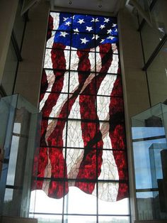 Stained Glass American Flag -- JUST GORGEOUS! I would stand in front of that window and say the Pledge Of Allegiance to that flag every single morning! Two things I love! The flag and stained glass. Stained Glass Patterns, Stained Glass Art, Stained Glass Windows, Mosaic Glass, Mosaic Mirrors, Mosaic Wall, American Pride, American Flag, American Spirit