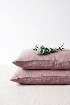 A luxurious, naturally breathable linen is timeless to work in any bedroom. High quality bed linen pillow cases provide year-round comfort,