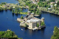 Germany Castles, Scotland Castles, Castle Ruins, Medieval Castle, Tower Castle, Beautiful Castles, Beautiful Buildings, Finland Travel, Romanesque Architecture