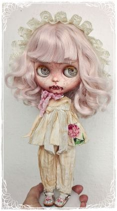 Alannis, Pale Vampire girl by Antique Shop Dolls